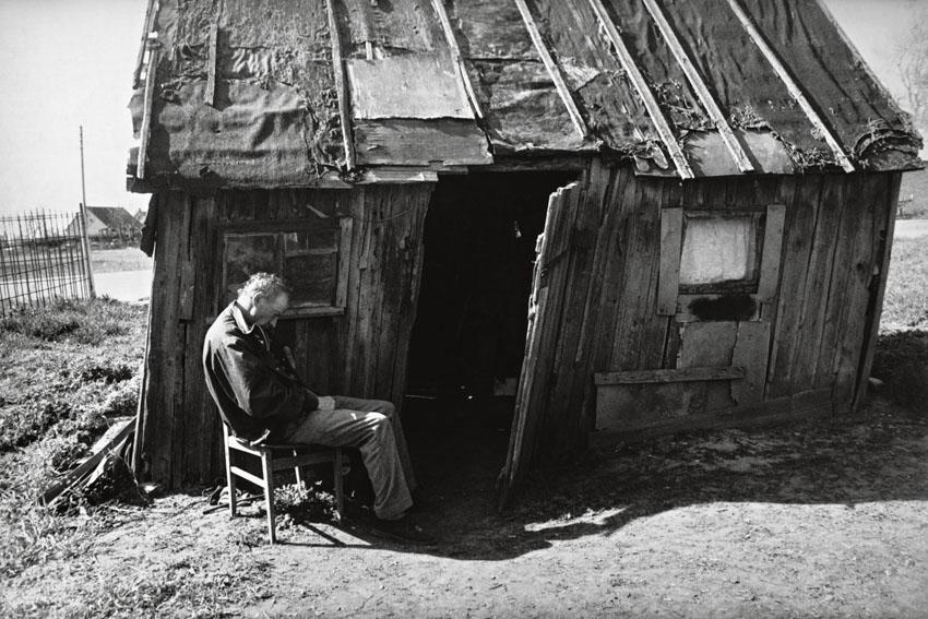 Edition Rimaldas Vikšraitis 1   Dreams of the Steading silver gelatin print 24 x 30 cm, 2004/2018 signed and numbered  Edition 10+2AP