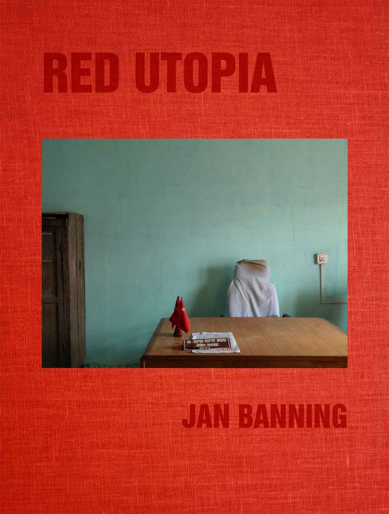 Jan Banning: RED UTOPIA Communism 100 years after the Russian Revolution  Publikation zur Ausstellung Nazraeli Press (CA, USA), 2017 englisch 49,95 €