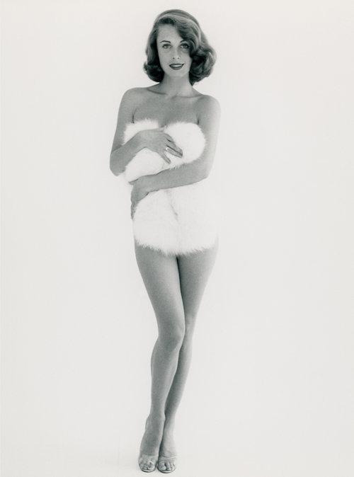 VERGRIFFEN     Edition Gowland 4  Modell: Rosemarie Bowe, 1955 nummeriert und signiert von den Nachfahren und gestempelt von der Peter Gowland LLC Auflage 10+2AP Preis: 150 €
