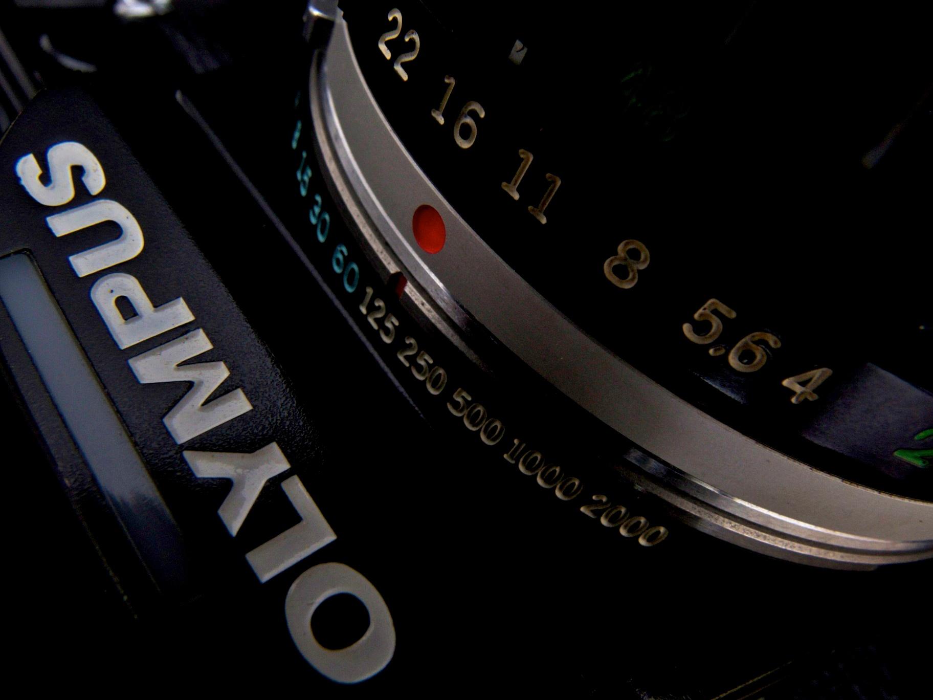 No.1184085 (ca.1998-9 Singapore) with S Zuiko Auto-Zoom 28-48mm f4