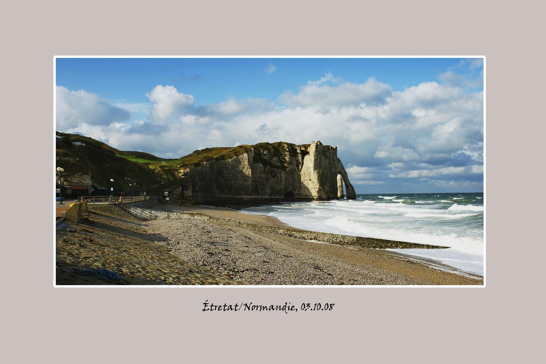 Etretatelephantrock_Normandie.jpg