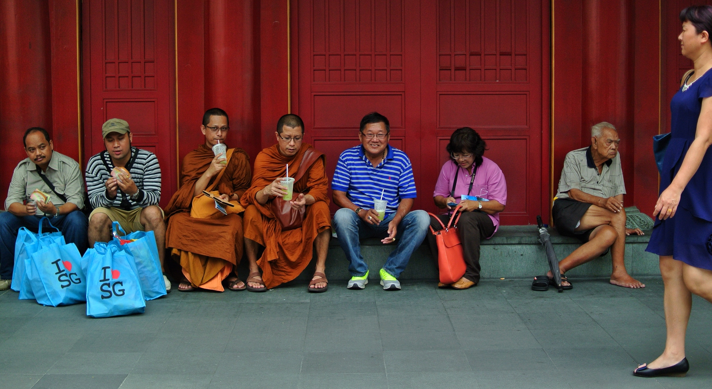 Strange Behaviour, Buddha Tooth Relic Temple
