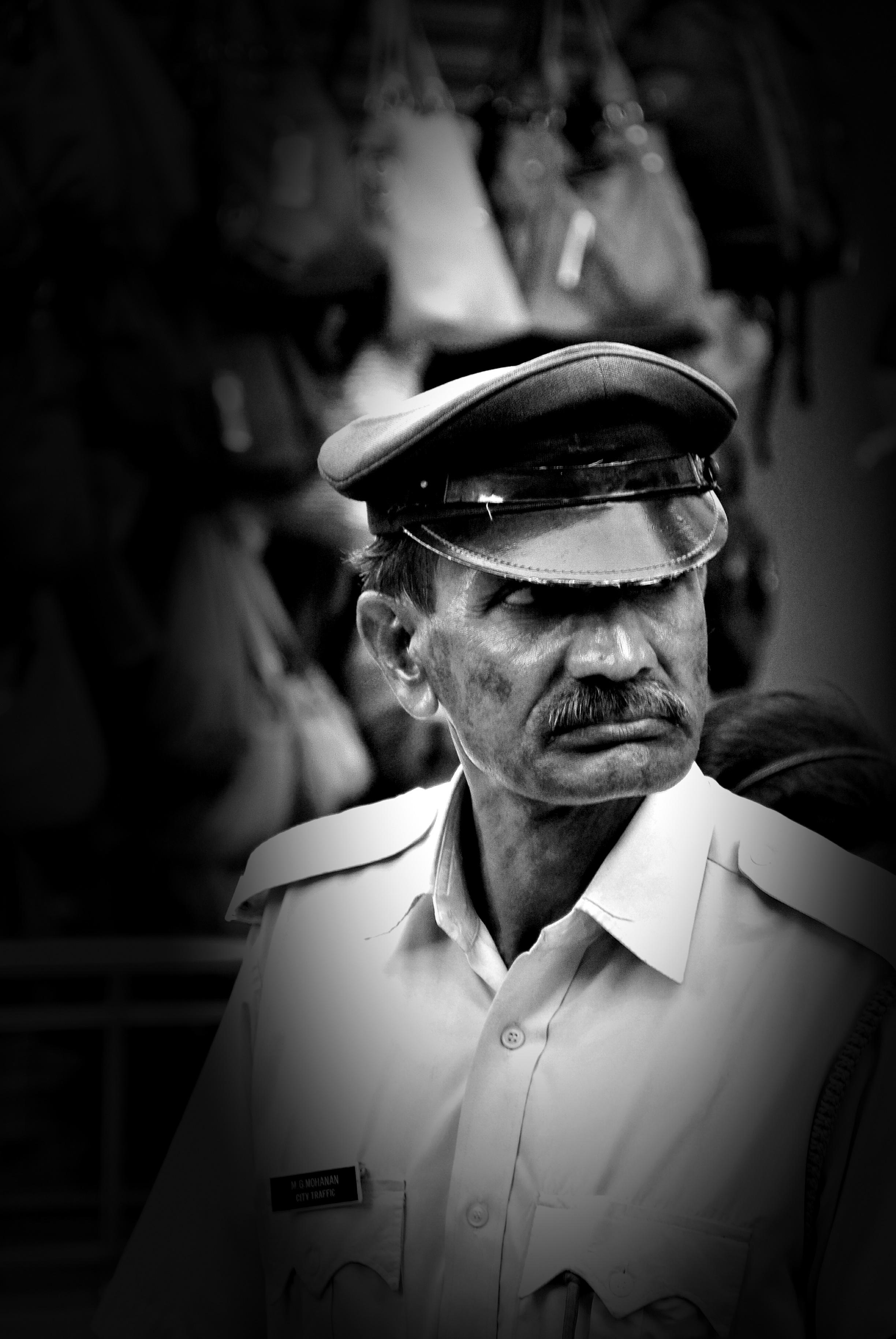 10-100mm: traffic police, Cochin