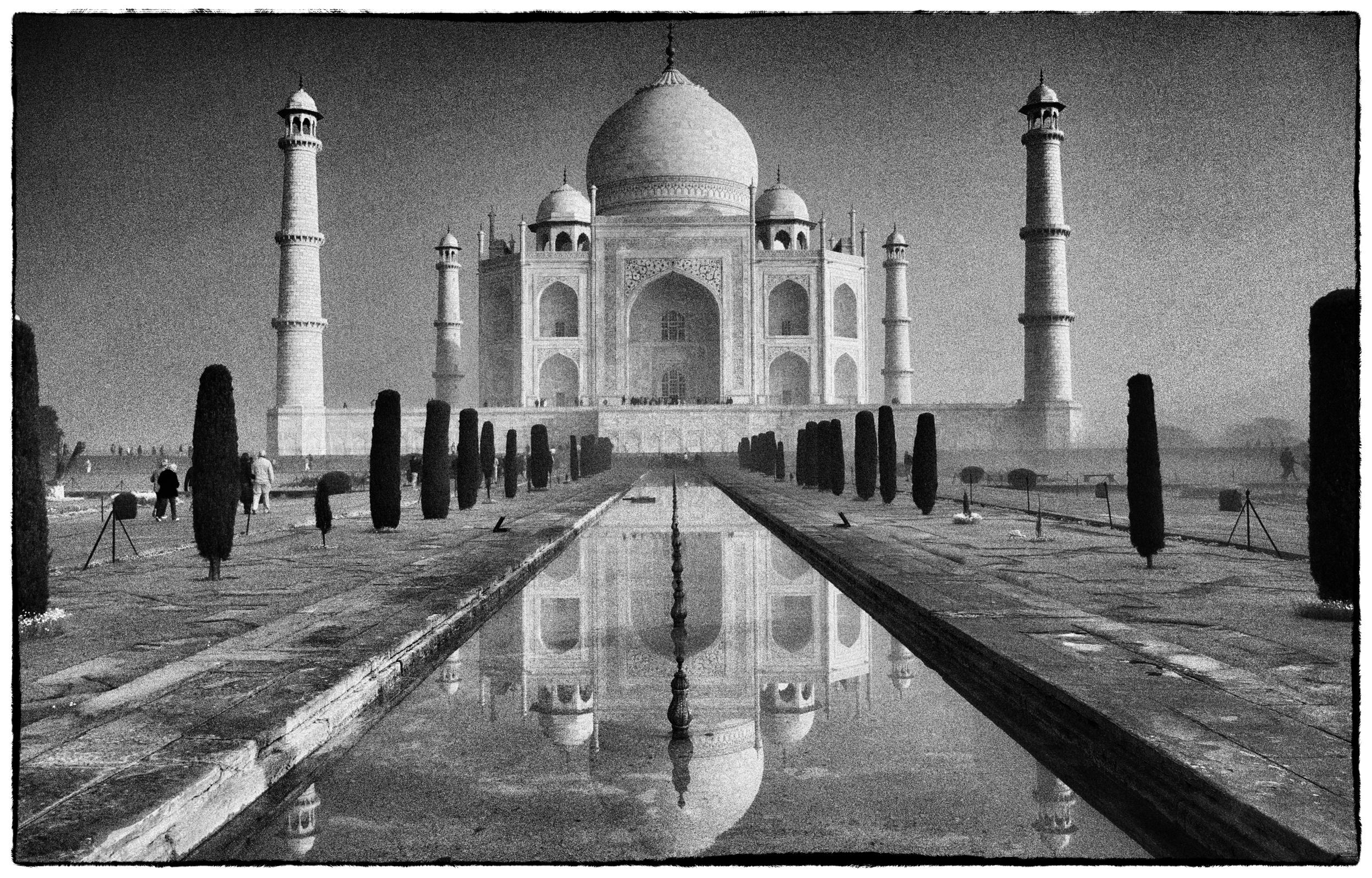 Agra's Taj Mahal (Fuji X100)