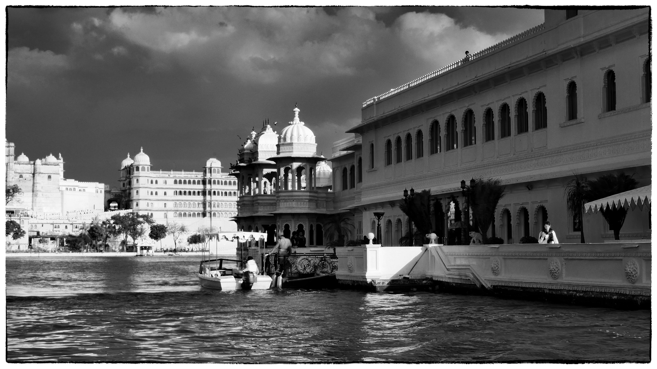 The Lake Palace Hotel, Udaipur with City Palace beyond (Lumix GM1, Leica 25mm)