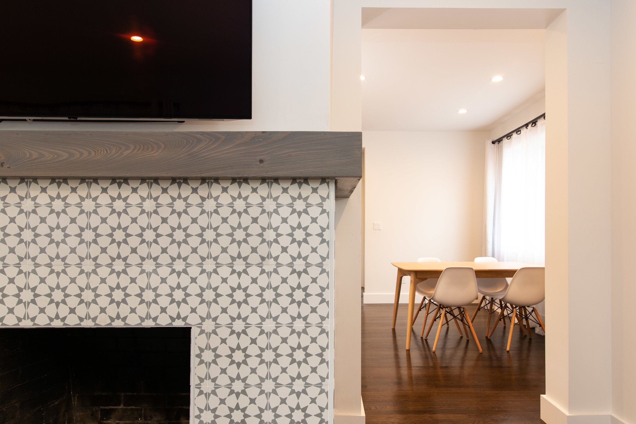 Ivy_Fireplace 02.jpg