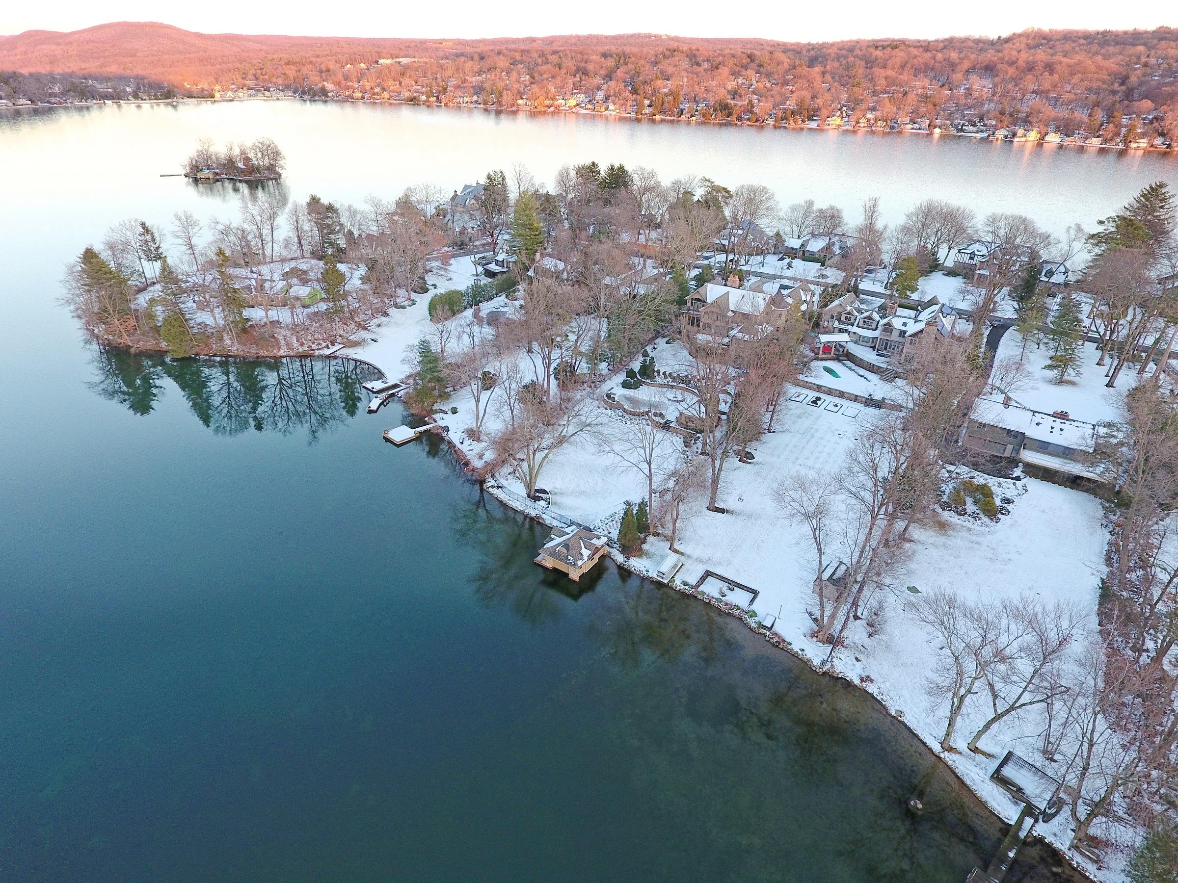 manitou island - lake mohawk, sparta, NJ