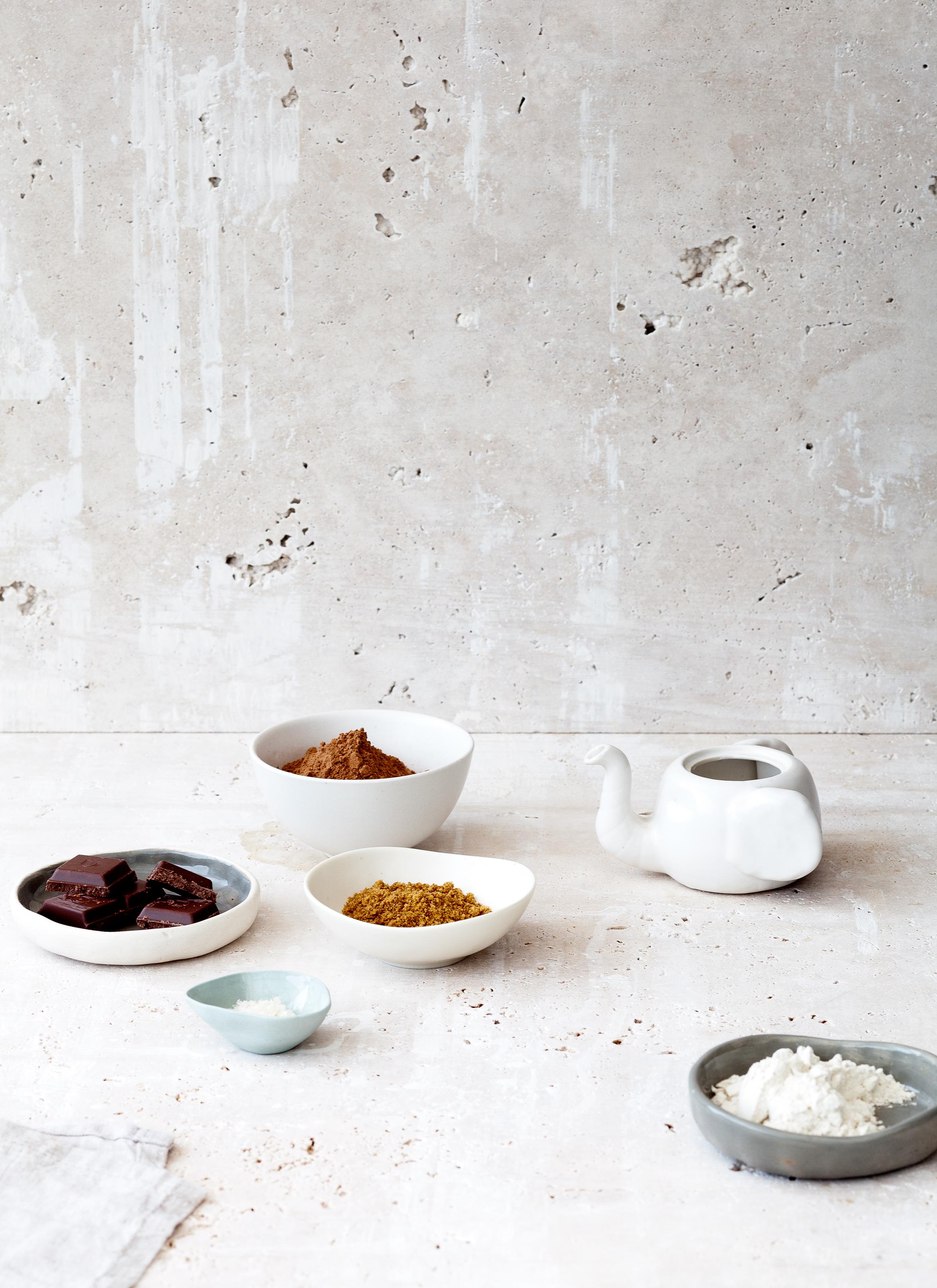 Dark Chocolate Chunk Sea Salt Brownies.Photography by  Elisa Watson , Styling by Kate Bradley.// Kenkō Kitchen