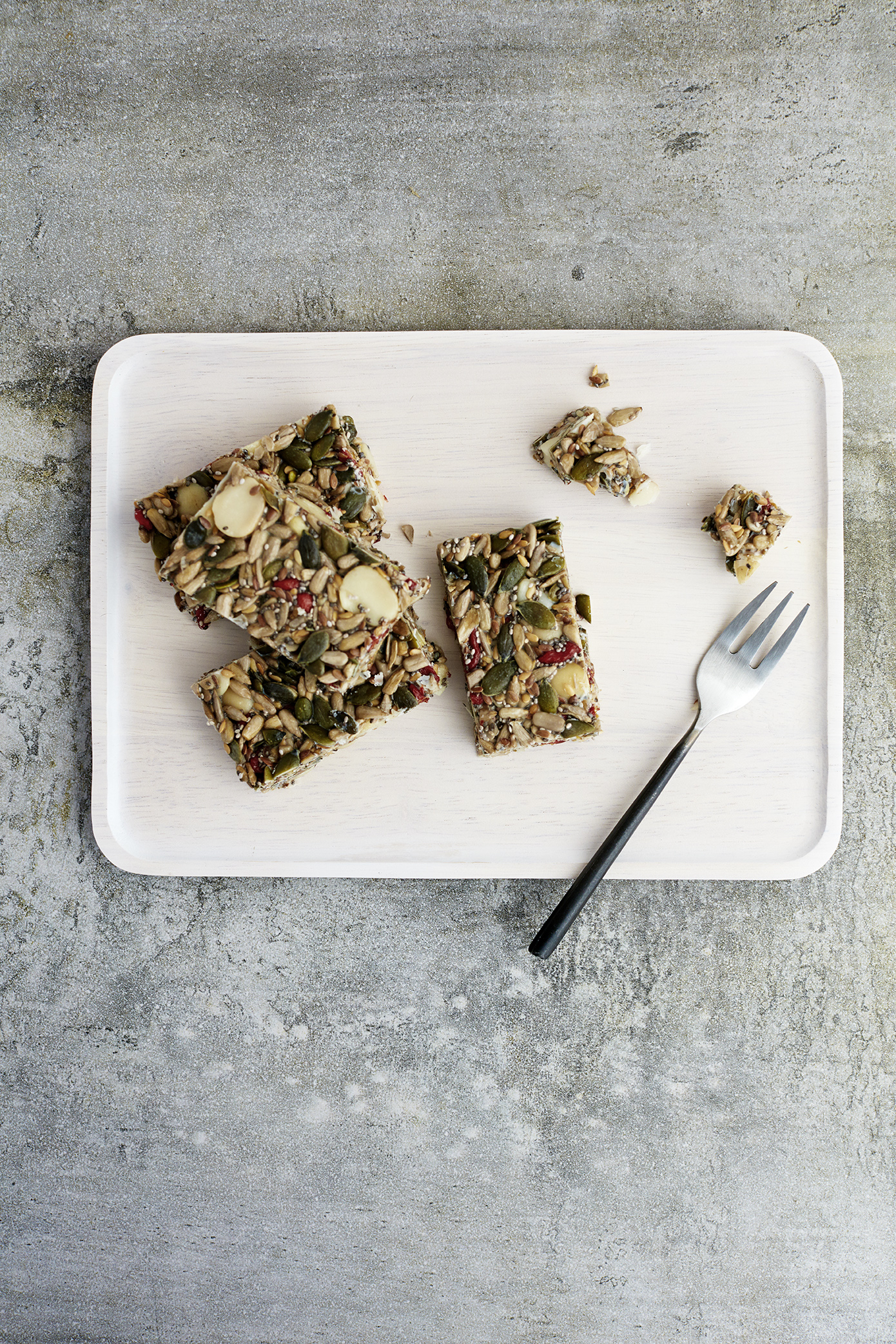 Breakfast Seed Bars // Kenkō Kitchen. Photography by  Elisa Watson , styling by Kate Bradley (Kenkō Kitchen).