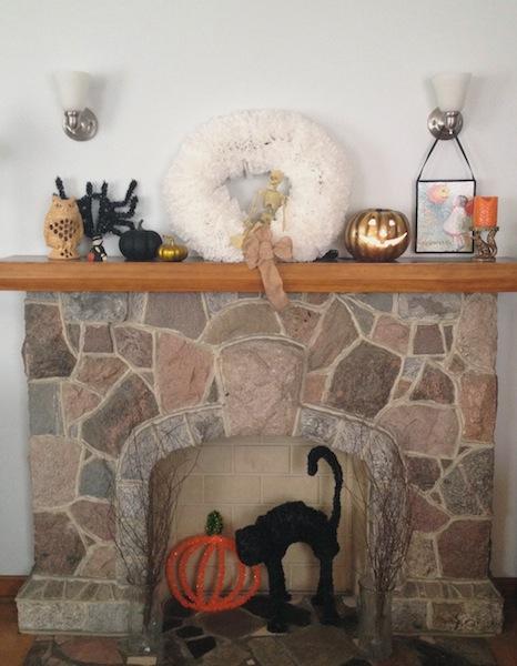 Halloween mantle 8.jpg