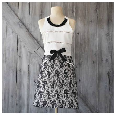 Your hostess will look super chic when she is the chef! Sur La Table, Pink Hostess Vintage-Inspired Apron $35