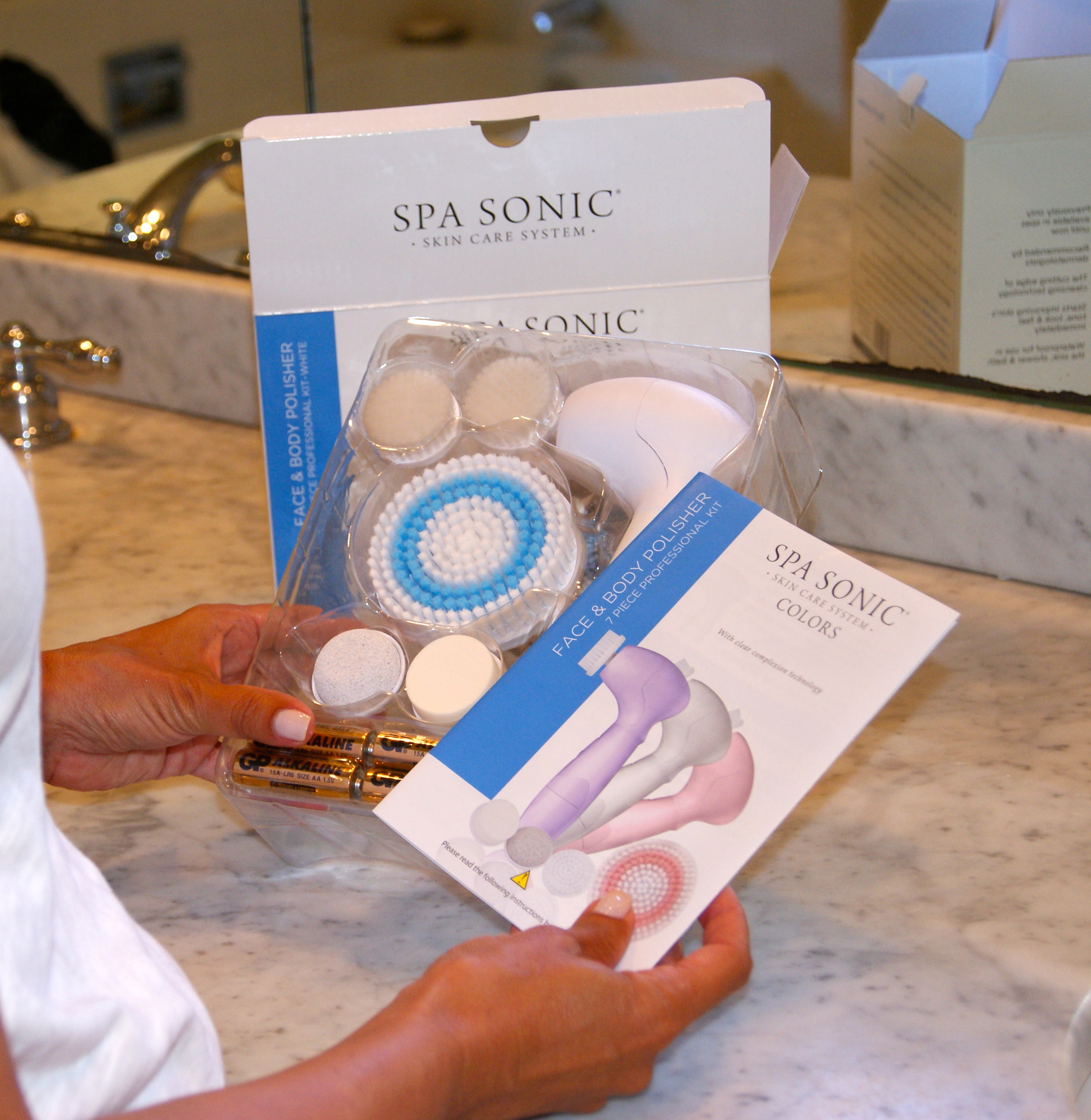 All thebrushes you need to polish your face and body including a pumice stone for your feet!