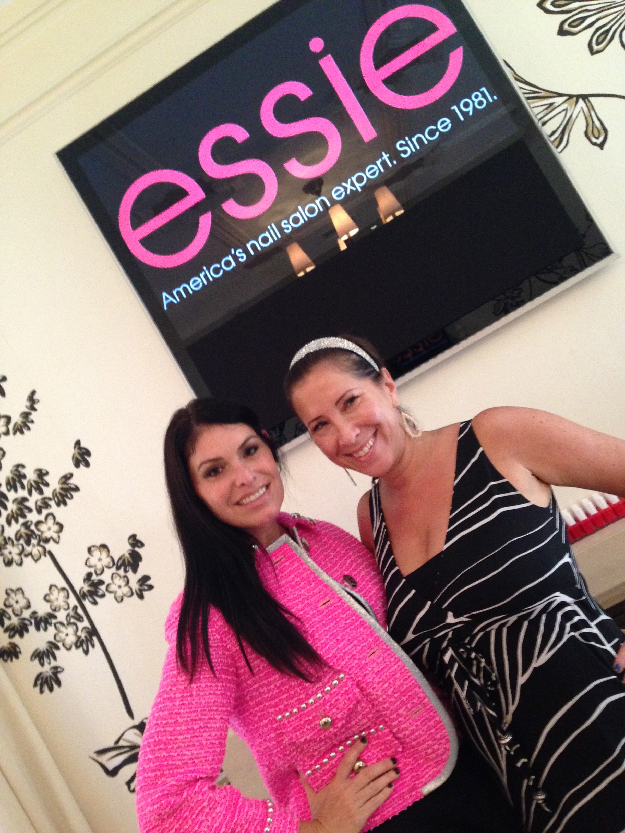 Met some fabulous LA ladies at the event.  Stacy Cox  of Pampered People and Romy Schorr of  Romy Raves .