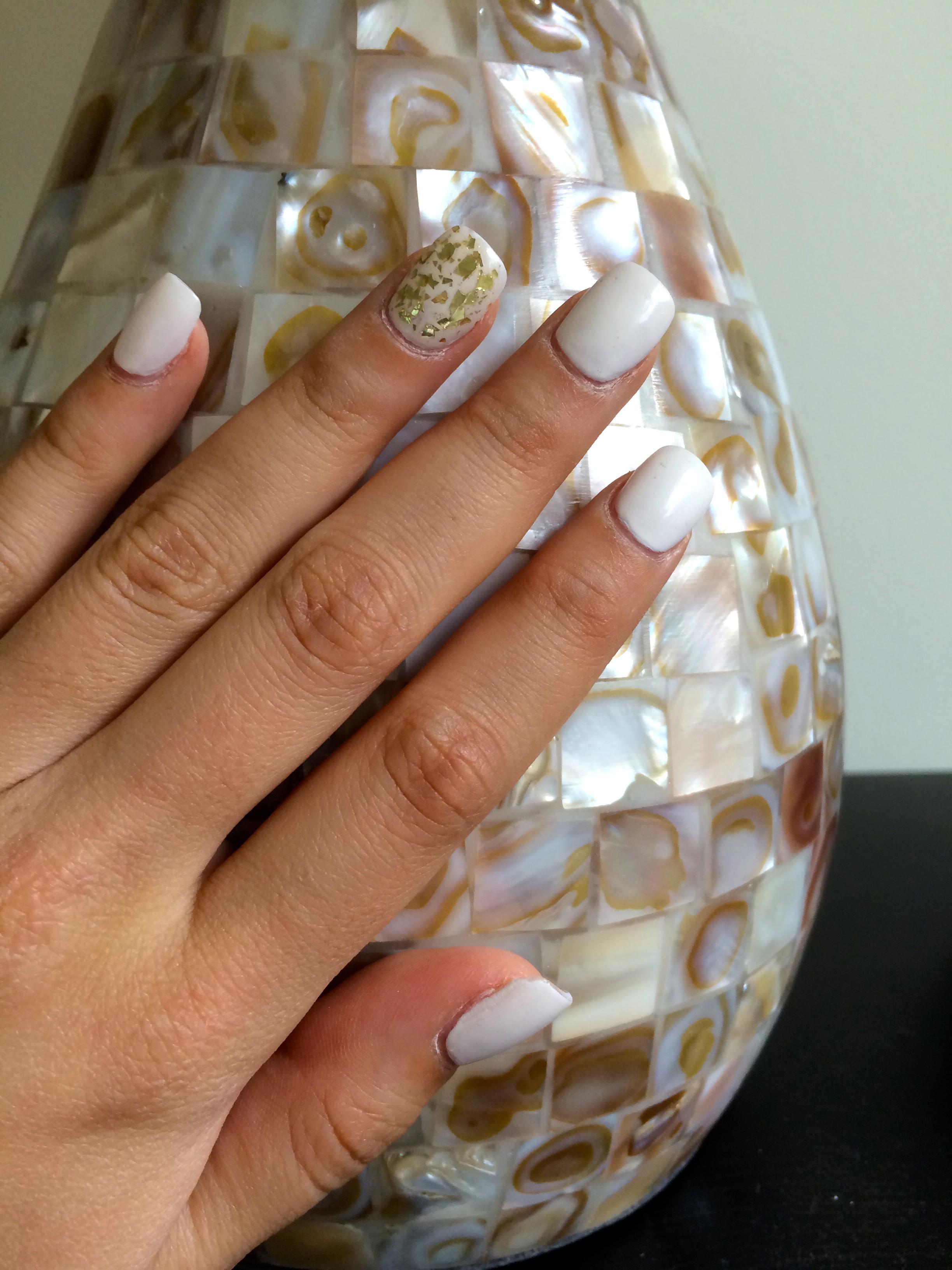 Loreal Nail color,Hit the Slopes. Highlight nail in 24 carat.