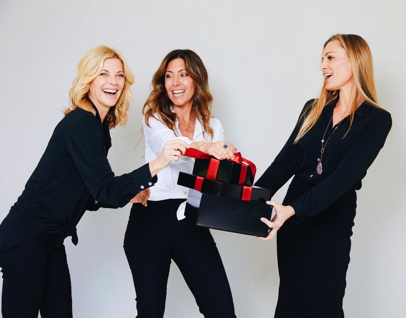 Melissa Meyers + The Glow Girl + Gift Guide For Her