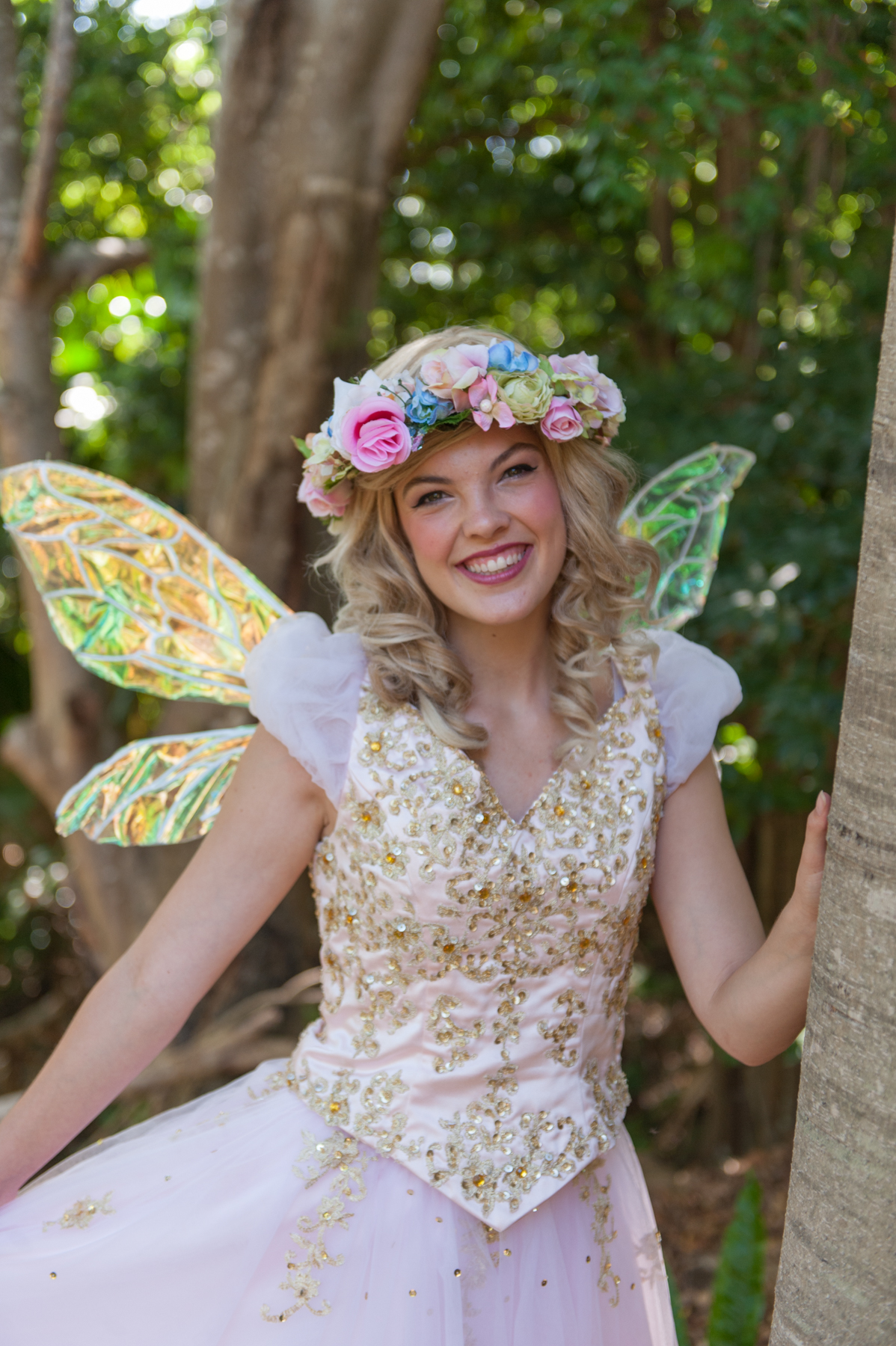 PIXIE POPPY  is a Gold and pink fairy! She is know for taking care of new born fairies, and loves to visit little humans at 1st Birthdays and Christenings! She spreads a little joy and magic everywhere she goes!