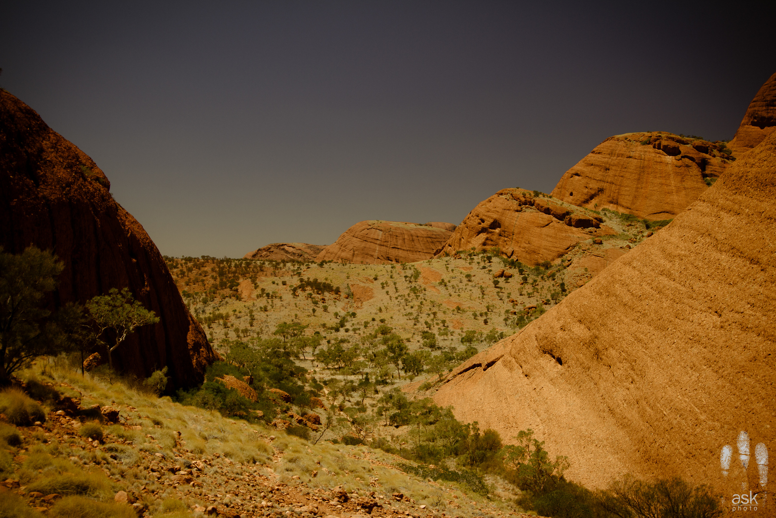 Kata-Tjuta, Northern Territory, 2012. Photo by Angus Kennedy. From  this post .