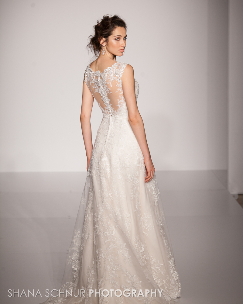 BridalMarket4-19-2015-New-York-Bridal-Fashion-The-Knot-Couture-Runway-Show-Maggie-Sottero-Shana-Schnur-Photography-002.jpg