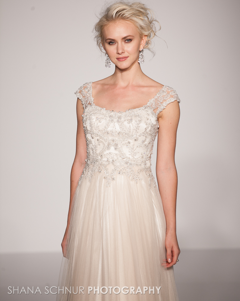 BridalMarket4-19-2015-New-York-Bridal-Fashion-The-Knot-Couture-Runway-Show-Maggie-Sottero-Shana-Schnur-Photography-008.jpg