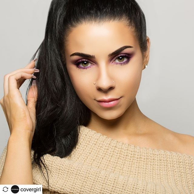 #Repost @covergirl ****** Those eyes doe! 😍 Hands up if you're as obsessed with @tinakpromua's #jeweleye look as much as we are.  #beauty #glamour #love #makeup #model #instagood #beautiful #girl #style #photography #photooftheday #redlips #tinakpromua #pretty #stylish  #smile #covergirl #instagram #picoftheday #like #covergirlmade #popartmakeup #glowingskin #EasyBreezyBeautiful #beautyphotographer #nycphotographer #shanaschnur #shanaschnurphotography