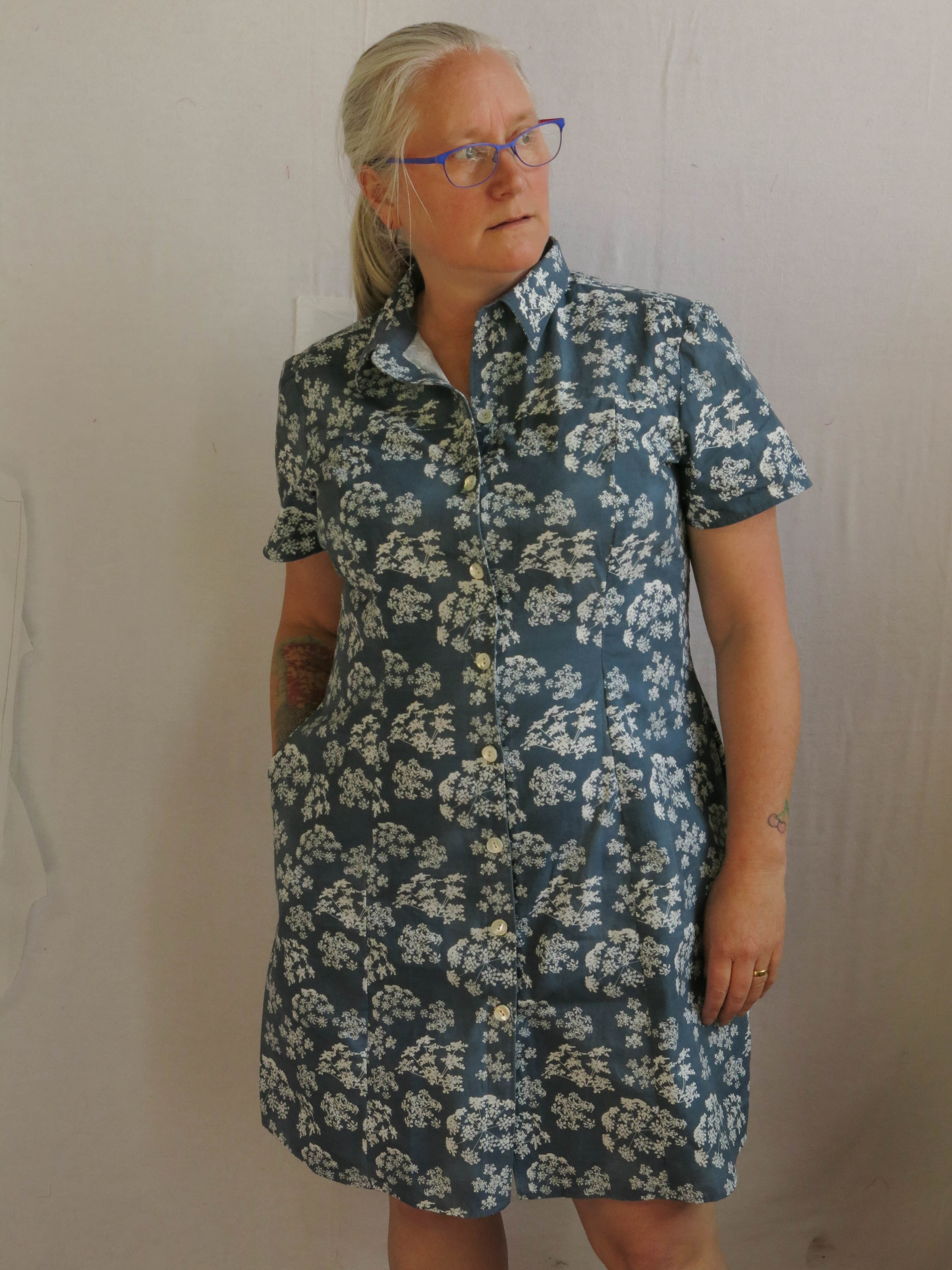 The Rosa dress that needs to be reproduced in some drapier fabric. Although it is quite lovely in this By Hand London poplin, in a farmer girl sort of way....