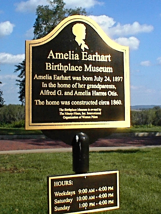 br plaque on post; Amelia Earhart.JPG