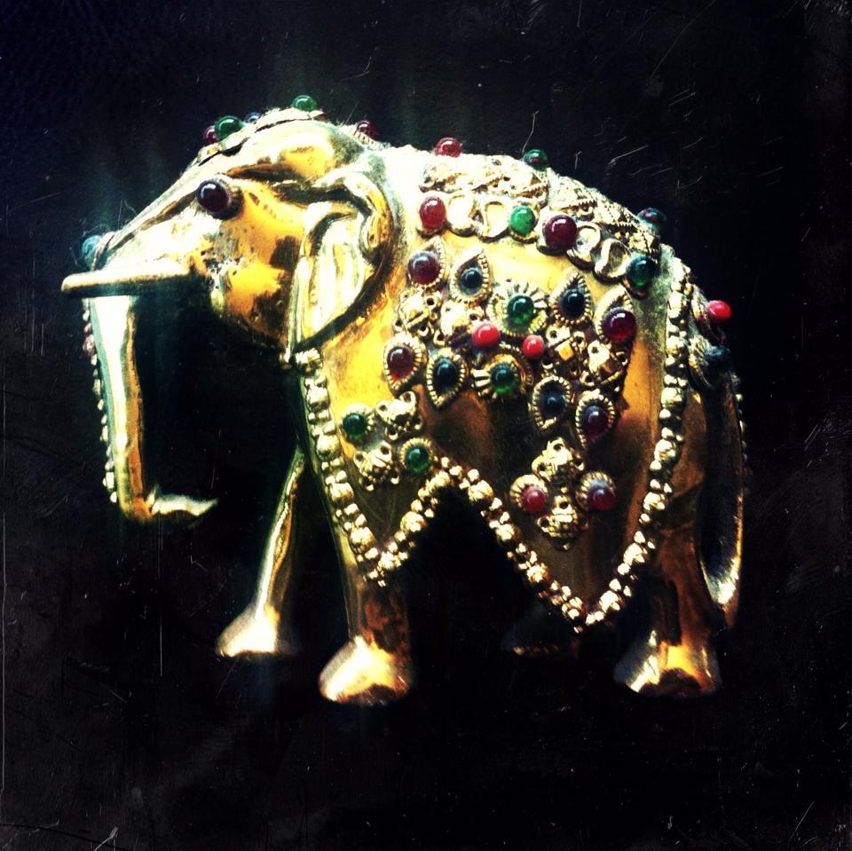 hiru_elephant.jpg