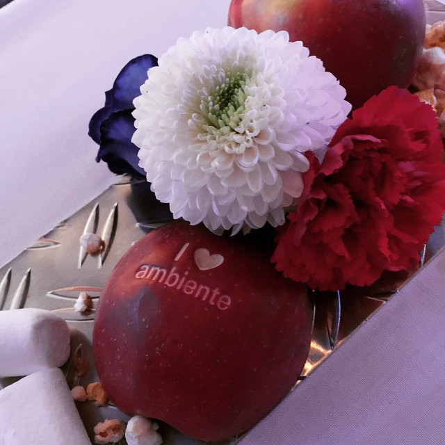 The table setting at the Ambiente Gala - celebrating the partner country of the year: USA. Traditional American food, drinks and entertainment were provided for thousands of the guests. It was a wonderful evening.