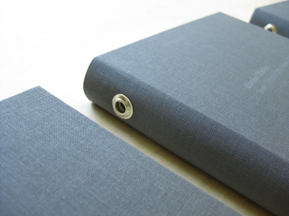 Do your books have grommets_9017091862_l.jpg