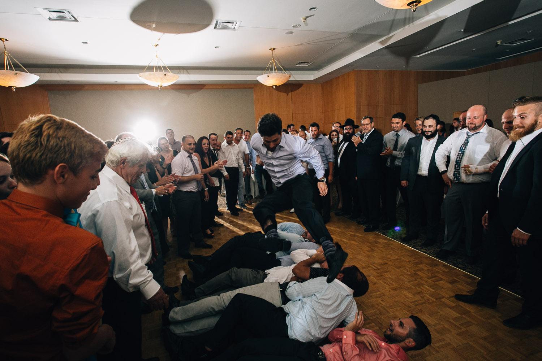 Schara Tzedeck jewish wedding photographer