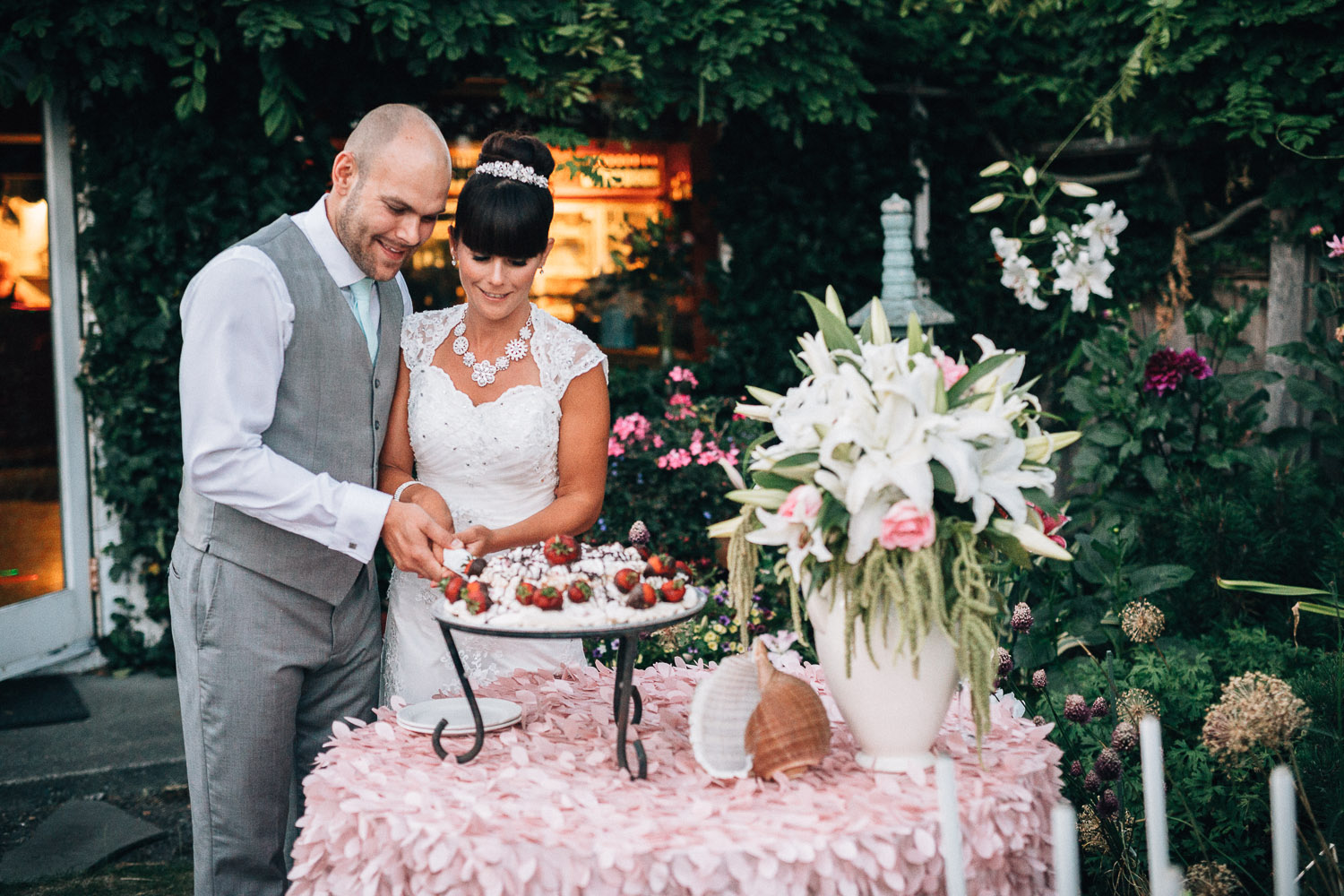 cake cutting south beach house point roberts wedding destination vancouver based