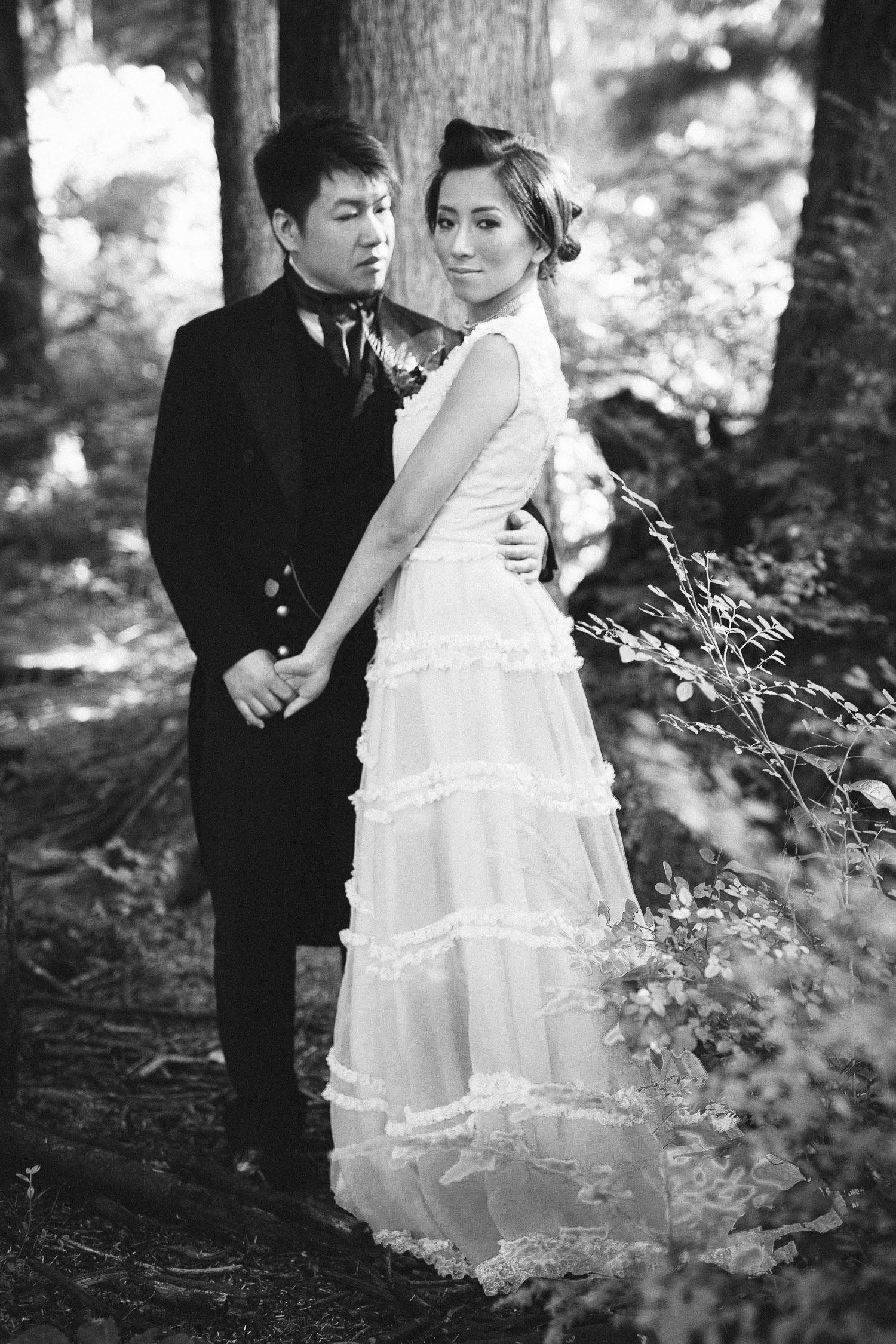 vsco weddding film black and white bride and groom portrait noyo creative vancouver bc