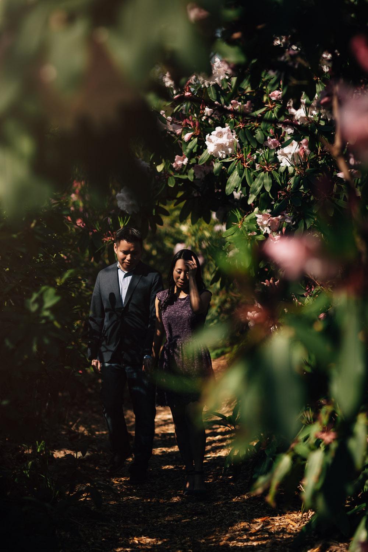 vancouver engagement photography vandusen botanical garden candid vsco