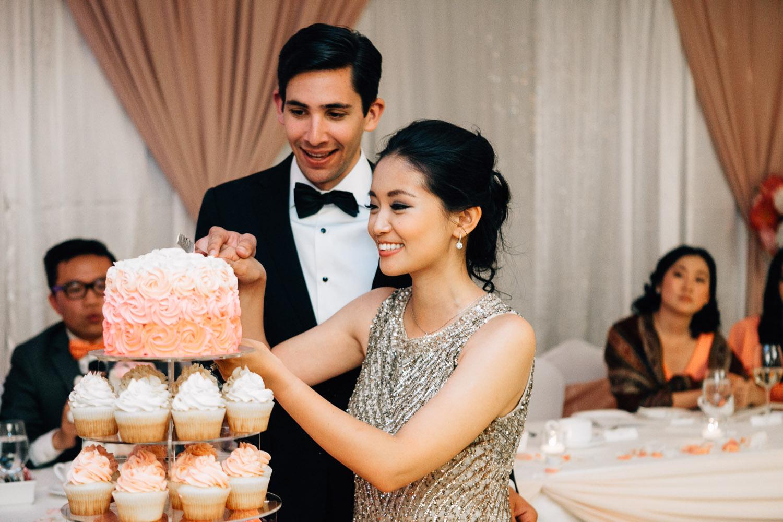 four seasons hotel vancouver wedding photography cake cutting