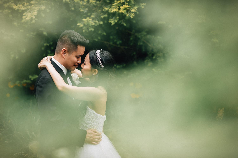 stanley park garden vancouver wedding portrait