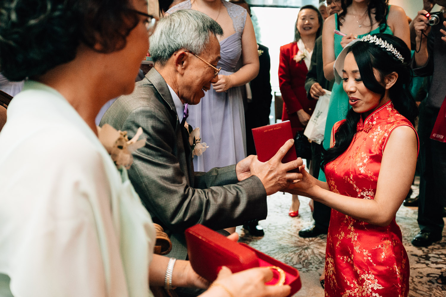 tea ceremony gifts chinese wedding photography vancouver westin grand hotel