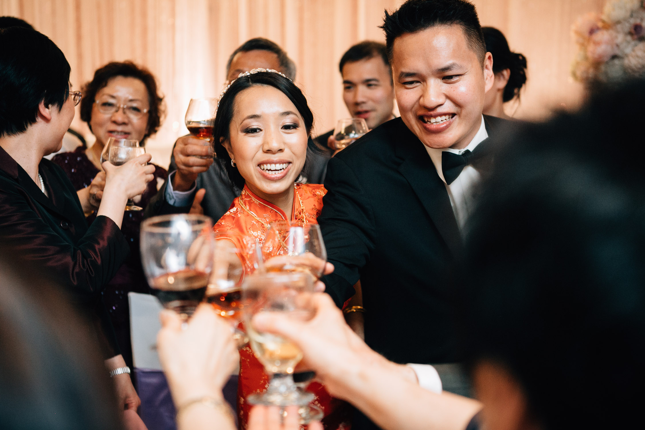 table toasting vancouver wedding reception sun sui wah