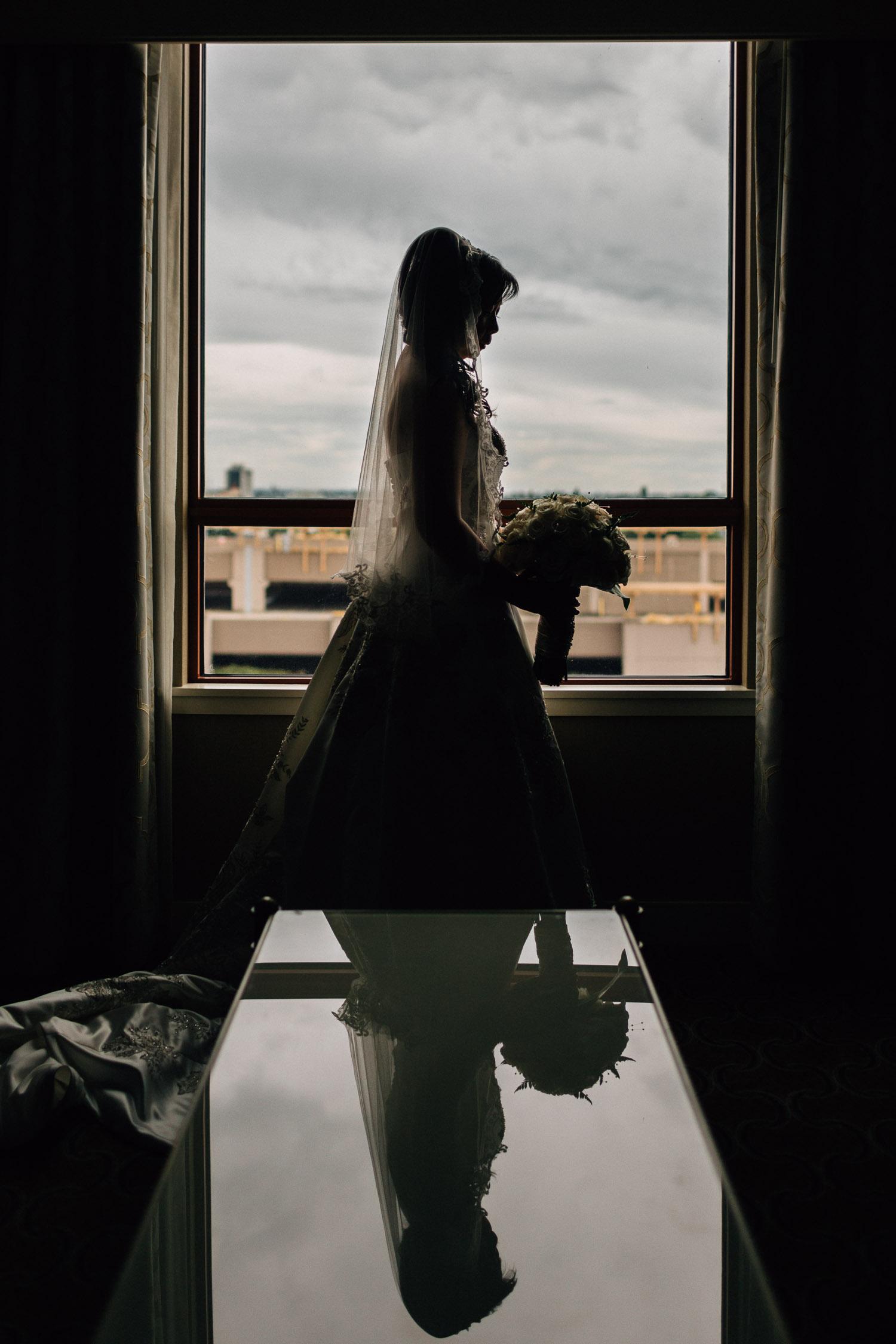 bride getting ready at river rock casino hotel richmond wedding photography