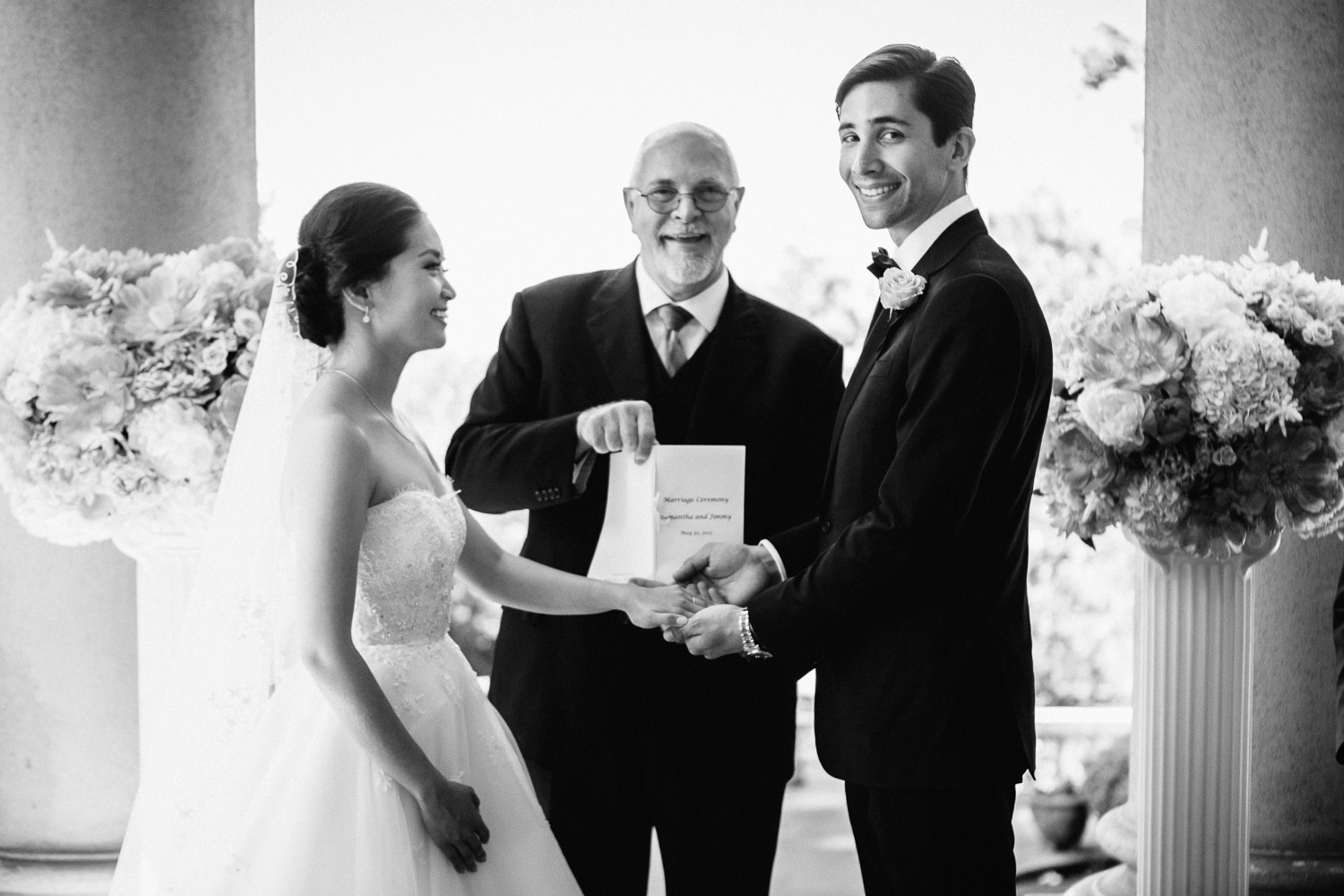 vancouver wedding photographer hycroft manor black and white ceremony