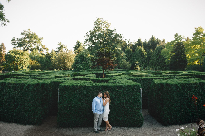 vandusen botanical garden engagement photographer vancouver