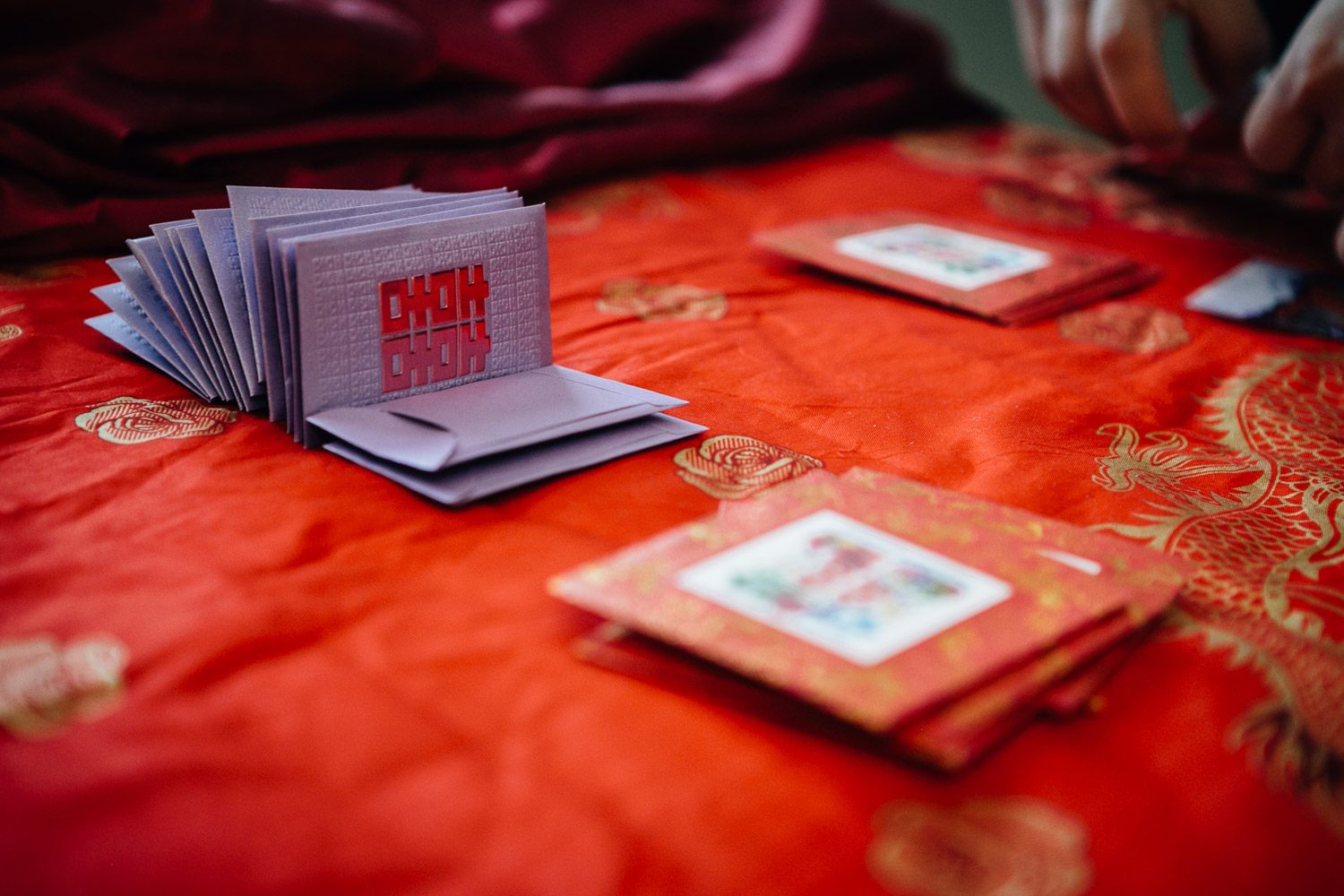 chinese red envelopes vancouver wedding photography