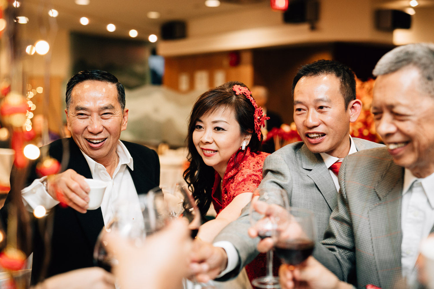 the jade seafood restaurant richmond wedding photographer reception table toasting