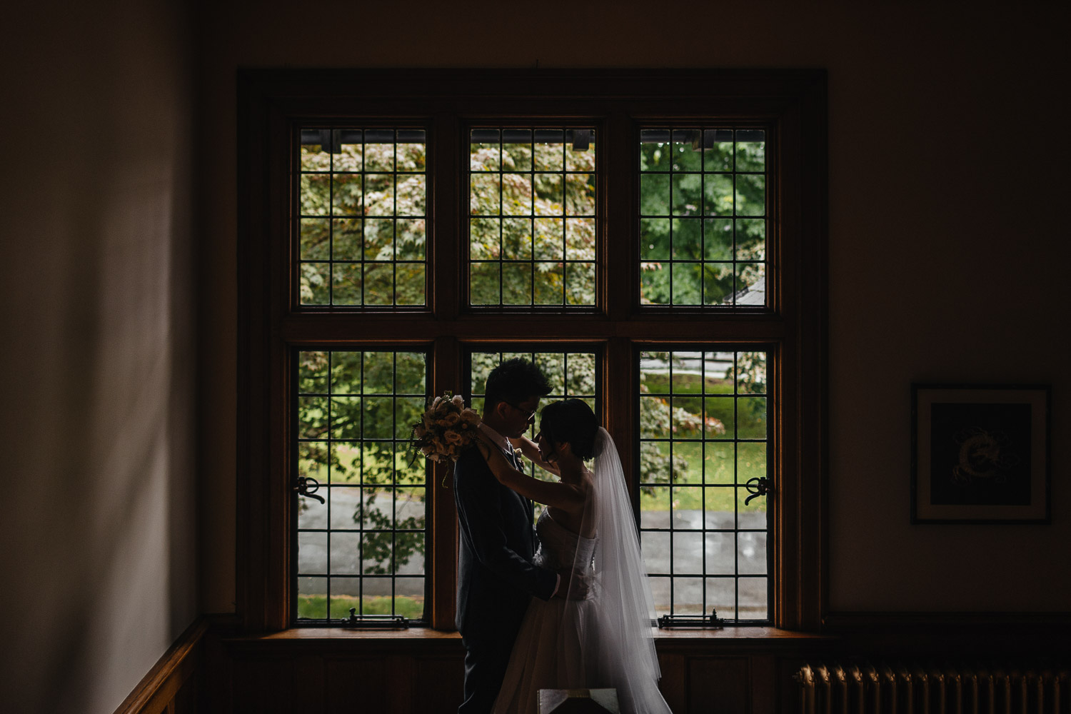 rainy day wedding photography at brockhouse restaurant in vancouver bc