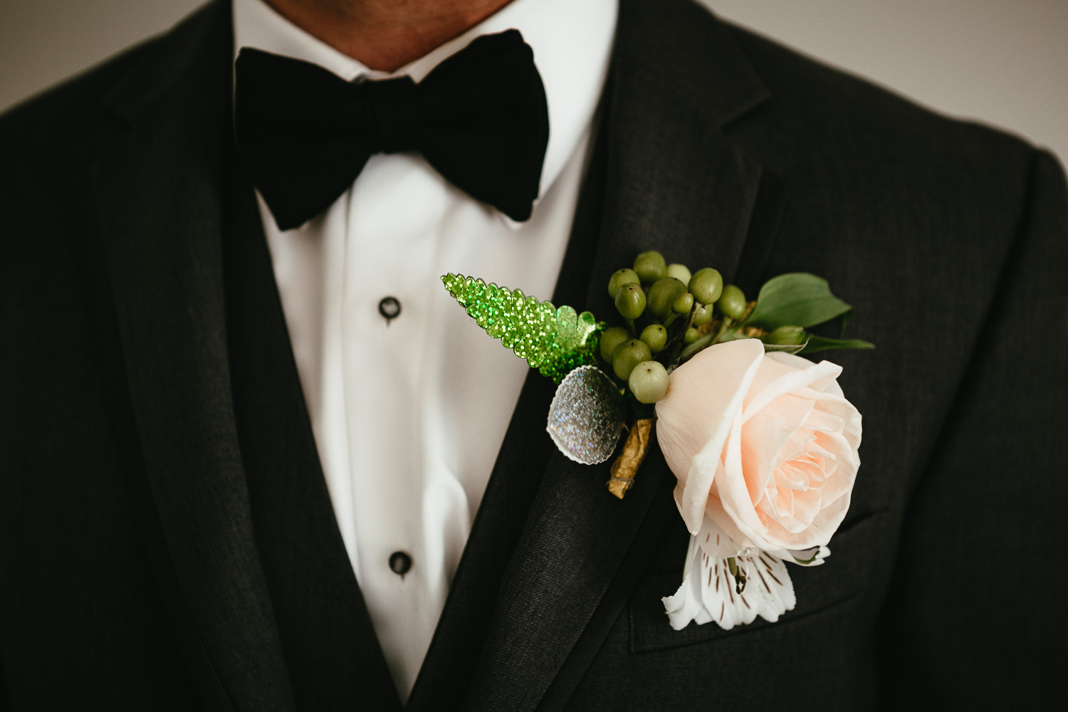 groom boutonnire vancouver wedding photography