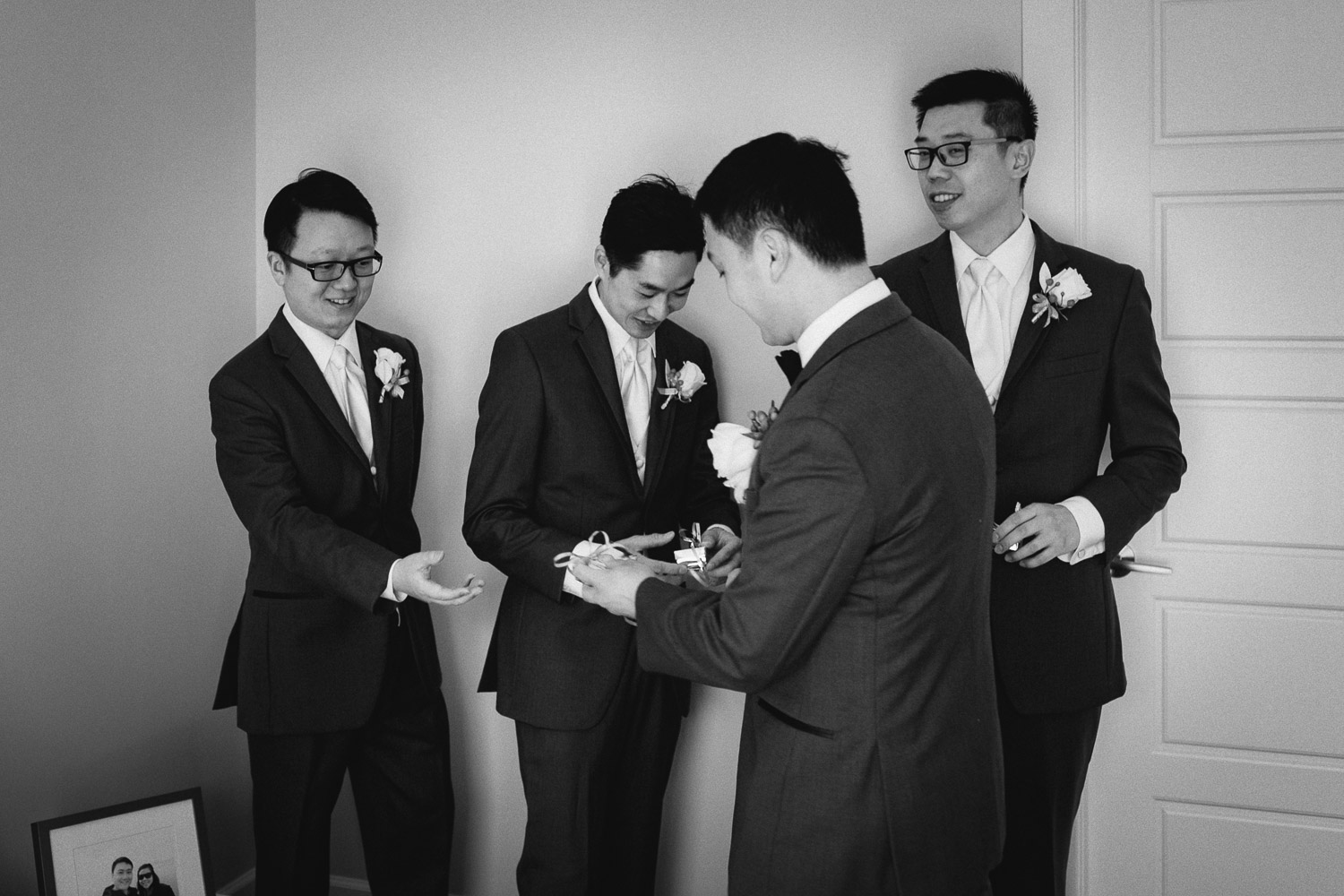 groom giving gifts to groomsmen in vancouver wedding photography