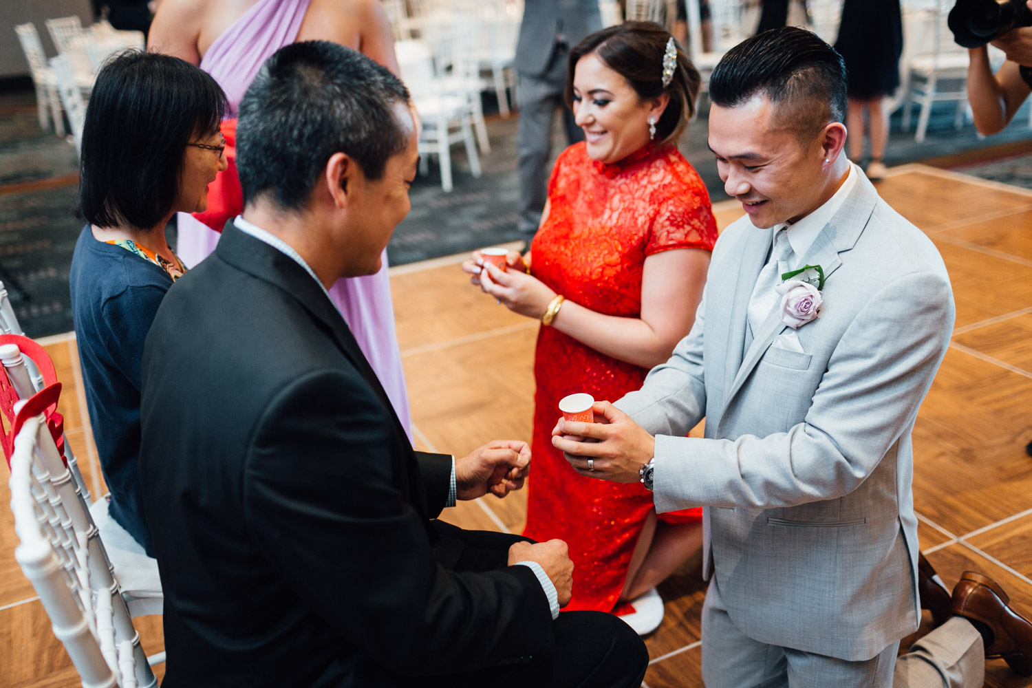 chinese tea ceremony in north vancouver at pinnacle at the pier wedding