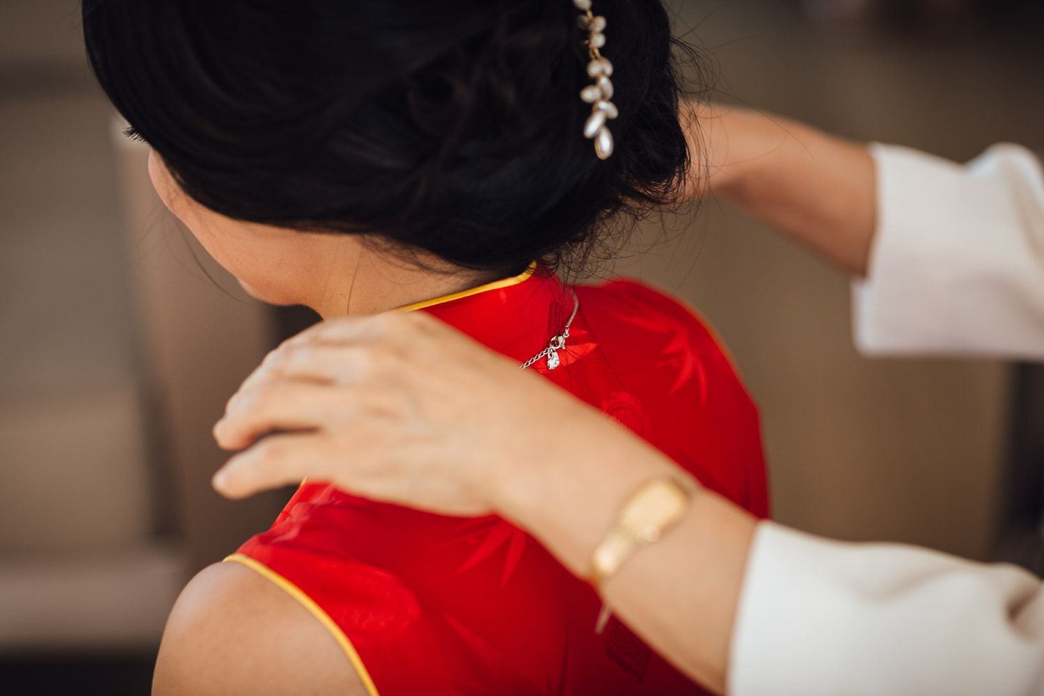 chinese tea ceremony at ubc boathouse in richmond bc wedding photography