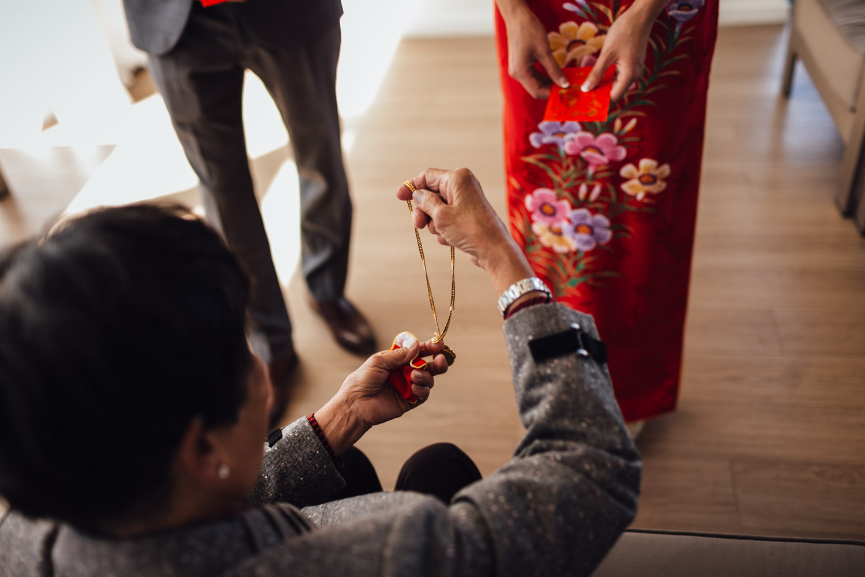 chinese tea cermeony at ubc boathouse in richmond bc wedding photographer