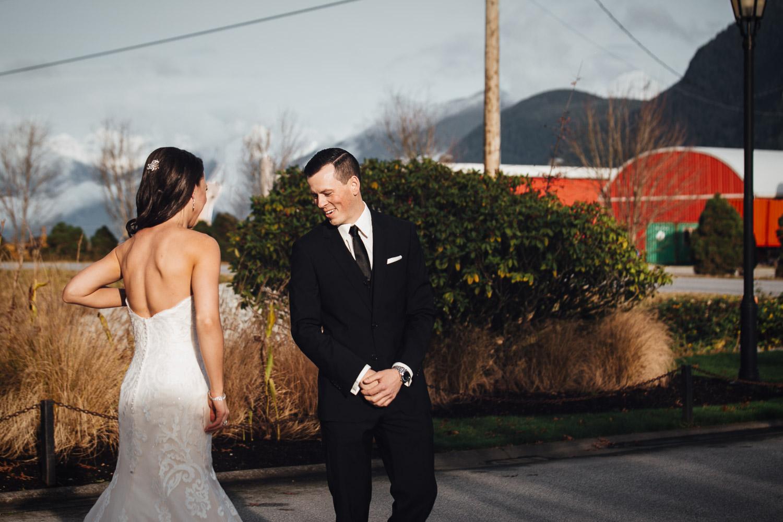 first look at swaneset pitt meadows wedding photographer
