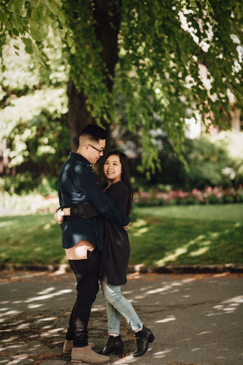 vancouver engagement photography in stanley park rose garden